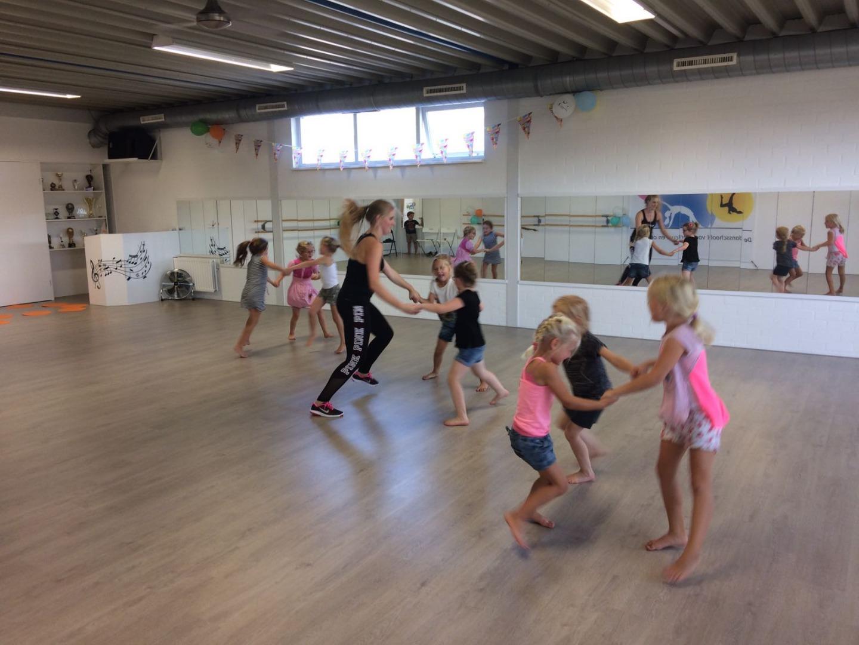 DanceAction