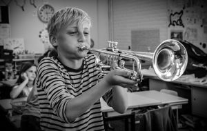 Co-Music band spelen